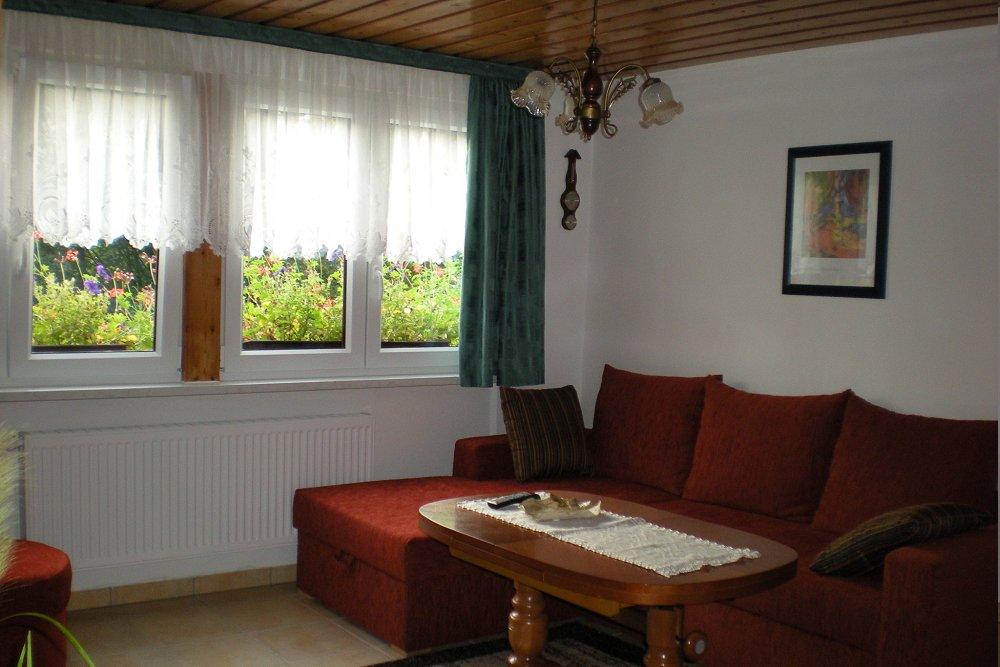 liegewiese wohnzimmer suiten imhaus gasthof hotel saalen. Black Bedroom Furniture Sets. Home Design Ideas